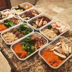To get the most out of your time at the gym nutrition needs to be on point as @sss_vince has done! His meals consist of chicken breast shrimp and meatballs for protein mashed sweet potato brown rice and quinoa for healthy grains and broccoli zucchini and onions for veggies! - Not sure what to be eating to support your training? Working hard in the gym but not seeing the results you should? Get your nutrition on point by downloading @mealplanmagic. - ALL-IN-ONE TOOL & GUIDES - Build Custom…