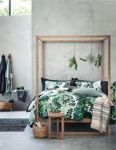 Botanical Bedroom - Everything you need to turn your home into a home . Tropical Bedrooms, Tropical Home Decor, Tropical Interior, Tropical Furniture, Tropical Colors, Estilo Tropical, Blueberry Home, Botanical Bedroom, Botanical Decor