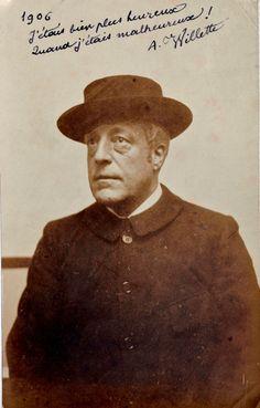 Adolphe Willette – J'étais bien plus heureux quand j'étais malheureux ! – photo Henri Delage
