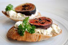 relaxotour: Fügés crostini, avagy pirított kenyér mascarponéva...