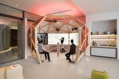 Modern Offices Adapted to their Particular Structure - Home Revolution Innovation Lab, Innovation Centre, Microsoft, Interactive Walls, Interactive Exhibition, Breakout Area, San Francisco Design, Creative Labs, Design Lab