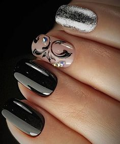 Super Fabulous Glitter and Black Prom Nail Art Designs