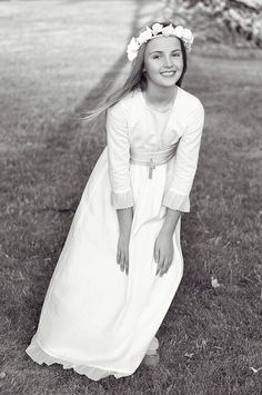 Fotografía de una niña de comunión con un vestido de Teresa y Leticia