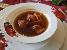 Consommé mit Wagyu Rindcarpaccio Food, Side Dishes, Meat, Easy Meals, Essen, Meals, Yemek, Eten