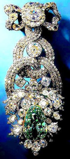 THE DIAMOND FUND OF RUSSIA, MOSCOW KREMLIN ~ The Romanovs jewelry, the 19th century #RomanovJewels #VonGiesbrechtJewels
