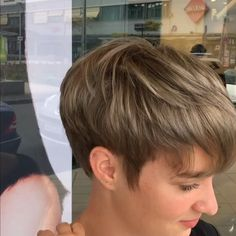 Today we have the most stylish 86 Cute Short Pixie Haircuts. We claim that you have never seen such elegant and eye-catching short hairstyles before. Pixie haircut, of course, offers a lot of options for the hair of the ladies'… Continue Reading → Thin Hair Short Haircuts, Short Hair Cuts For Women, Short Curly Hair, Curly Hair Styles, Short Haircuts For Boys, Blonde Pixie Hairstyles, Short Hairstyles For Thin Hair, Short Hair Tomboy, Short Wedge Haircut