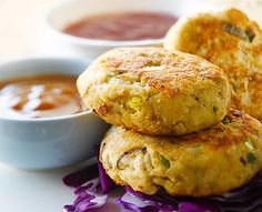 Asian Tuna Cakes with Cherry Dipping Sauce #Recipe