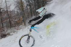 Dashing through the snow. Freeride Mountain Bike, Mountain Biking, Motocross Bikes, Cycling Bikes, Outdoor Gym, Outdoor Life, Dashing Through The Snow, Bike Photography, Fat Bike