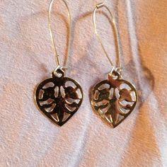 Pretty dangling silver heart earrings! Gorgeous delicate pair of heart earrings! Brand new! Never worn! Jewelry Earrings