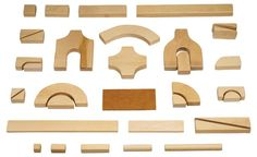 Block play and mathematical thinking resources and stages of block play for different aged children Preschool Block Area, Preschool Kindergarten, Preschool Ideas, Block Play, Block Craft, Creative Play, Imaginative Play, Diy Wood Projects, Wooden Toys