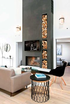 Eine Betonwand mit einem eingebauten Kamin und Brennholz steht im Raum A concrete wall with a built-in fireplace and firewood stands in the room Modern White Living Room, Modern Farmhouse Living Room Decor, Living Room Modern, Living Room Designs, Modern Wall, Modern Decor, Modern Glass, Tiny Living, Modern Rustic