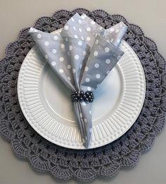 Trendy Wedding, Diy Wedding, Brunch Mesa, Crochet, Napkins, Wedding Decorations, Sweet Home, Dining, Tableware