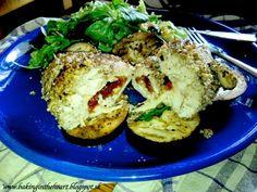 Kuracie prsia plnené mozzarelou a sušenými paradajkami s orechovou krustou, baklažánom a s kuskusovým šalátom ~ BAKING IN THE HEART