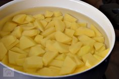 Cartofi taranesti - CAIETUL CU RETETE Jacque Pepin, Romanian Food, Book, Recipes, Books, Recipies, Ripped Recipes, Libros, Book Illustrations