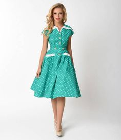 Strike up the conversation with Hedda, dames! Bursting with passion for mid-century flair, The Hedda Dress from Unique Vintage is an exuberant piece that will have all the darlings applauding. Cast in a beautiful aqua green, this charming swing dress feat