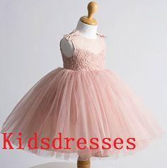 Custom faire Tulle Satin dentelle bateau cou bébé par kidsdresses, $48.00