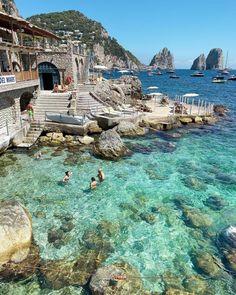 Capri Island, Capri Italy, Regions Of Italy, Italian Summer, Visit Italy, Travel And Leisure, Travel Tips, Wanderlust Travel, Italy Travel