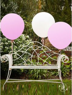 Wedding palloncini extralarge.  Grandissimi palloncini per rendere unico il vostro evento. Misure: 96 cm. Ordine minimo 3 pezzi e multipli di 3.#matrimonio #weddingday #ricevimento #wedding #lanterne #decorazioni #sconti #offerta #carta #decorazioniincarta #weddingideas #ideasforwedding #palloncini #extralarge