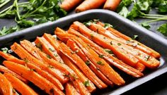 You can cook carrots in the microwave. You can also cook glazed carrots in the microwave. We show you how to cook carrots quick and easy AND they will be tasty. Carrot Fries, Carrot Salad, Baked Carrots, Roasted Carrots, Curry Recipes, Veggie Recipes, Grilled Vegetables, Veggies, Butternut Squash Curry