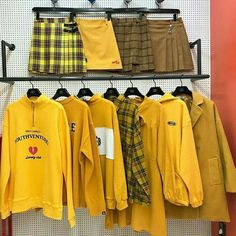 Yellow Cloth ❤️ It is time you introduce some yellow aesthetic colors in your life! Everything from nail art ideas to room décor involving yellow hues is gathered here! Aesthetic Colors, Aesthetic Pictures, Aesthetic Clothes, Aesthetic Yellow, Mellow Yellow, Mustard Yellow, Yellow Clothes, Yellow Theme, Do It Yourself Fashion