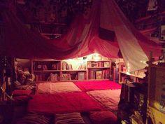 Il primo focolare notturno: la tenda delle storie.