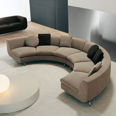 Modern ívelt szekcionált kanapé — Beltéri és külső bejárati ajtók tervezése   HomeOfficeDekoráció