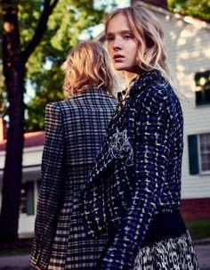 Maja Salamon & Nastya Sten fotografiert von Mark Segal // Vogue Japan Januar 2016