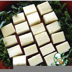 """Панир - домашний сыр...Молоко (желательно использовать домашнее, но подойдёт и качественное магазинное со сроком хранения не более нескольких дней) — 1 л Кефир (в этом рецепте я использовал кефир, но подойдёт также сок лимона, """"живой"""" йогурт, кислая сыворотка, лимонная кислота) — 150 мл"""
