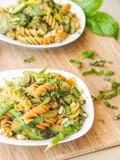 A summer themed vegan pasta that is filled with fresh veggies and coasted in a creamy pesto alfredo based sauce. Have dinner on the table in under 30 minutes.