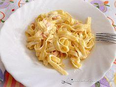 Tagliatelle al salmone e panna - Pasta with salmon