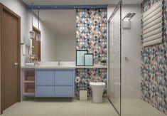 Para essa sexta 🙌🙌 Banheiro Social para os dois filhos, menina e menino 💙❤️ Cliente queria muito o banheiro com cores diferentes, então colocamos azul e rosa, e também um revestimento colorido 😉😉 .  #joanasachetspilerearquiteturaeinteriores  #joanasachetspilerearquiteta