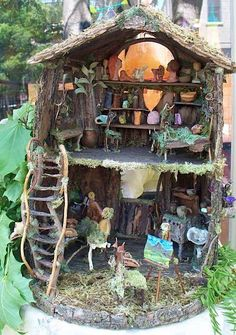 Fairy House :D I made one of these with my grandma once an it was places in her garden. I would always look out the window to see if the fairies brought me something :) My cousin made a fairy garden when she was little and it was beautiful :) Fairy Garden Houses, Garden Art, Fairy Houses Kids, Garden Ideas, Fairy Village, Fairy Furniture, Gnome House, Fairy Doors, Miniature Fairy Gardens