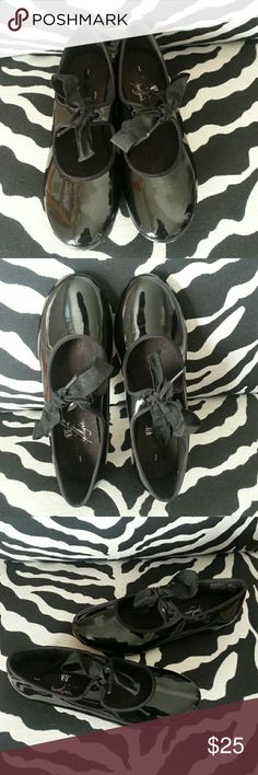ABT- AMERICAN BALLET THEATRE SHOES ABT- AMERICAN BALLET THEATRE SHOES - Black Patent Leather with black string,  Silver taps with all screws on bottom (see pics), Size 1, NWOT.  EXCELLENT CONDITION!! ABT - AMERICAN BALLET THEATRE Shoes Dress Shoes