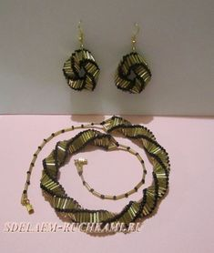 Necklace and earrings with beads