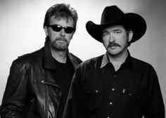 Brooks and Dunn - saw their farewell show with Mike Best Country Singers, Best Country Music, Country Music Artists, Country Music Stars, Boot Scootin Boogie, Famous Duos, Brooks & Dunn, Indian Summer, Cool Countries