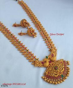 Pin By Jyostna On Imitation Jwellari In 2019 Tejidos Gold Jewelry Simple, Gold Wedding Jewelry, Bridal Jewelry, Gold Jewellery, Simple Necklace, Handmade Jewellery, Pearl Jewelry, Antique Jewelry, Pearl Necklace