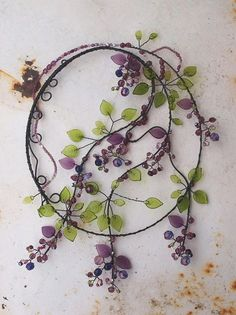Garden art 356839970478932118 - Garden art ideas wind chimes trees trendy ideas Source by territhepayne Wire Crafts, Bead Crafts, Jewelry Crafts, Diy And Crafts, Copper Jewelry, Wire Jewelry, Copper Wire, Jewellery, Bijoux Fil Aluminium