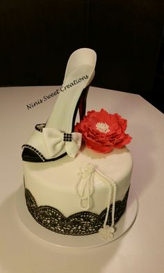 Gumpaste shoe. Fondant Shoe Cake. Black and White. Edible Lace. Ninis Sweet Creations