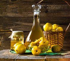 Fűszeres birslikőr - komoly ital nagyon egyszerűen Cooking Oil, Confectionery, Hot Sauce Bottles, Chutney, Deli, Salad Recipes, Food And Drink, Liqueurs, Parmesan