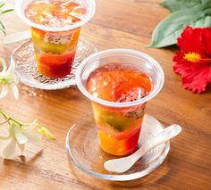 「花香るフルーツポンチ(ハイビスカス)」♪ひとくち食べると口の中にハイビスカスの香りが広がります。暑い日も涼やかになるスイーツです(^^)  http://lawson.eng.mg/38ac3