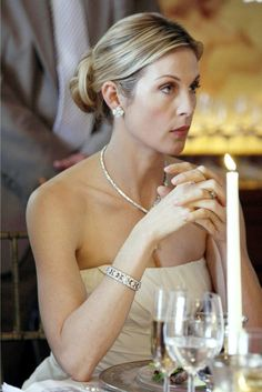 Pin for Later: Gossip Girl: Where Are the Stars Now? Kelly Rutherford as Lily van der Woodsen Gossip Girl Hairstyles, Great Hairstyles, Bride Hairstyles, Headband Hairstyles, Celebrity Hairstyles, Bob Hairstyle, Mode Gossip Girl, Gossip Girl Outfits, Gossip Girl Fashion