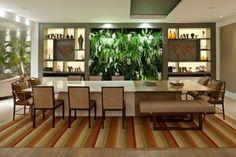 Engana-se quem pensa que basta escolher uma bela mesa e algumas cadeiras bonitas. A sala de jantar é muito mais que isso!