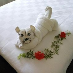 Satriya Cottages, Kuta Picture: Kitty folding towel - Check out TripAdvisor members' candid photos and videos of Satriya Cottages Towel Origami, Bathroom Towel Decor, Towel Animals, How To Fold Towels, Towel Cakes, Napkin Folding, Hobbies And Crafts, Washing Clothes, Hand Towels