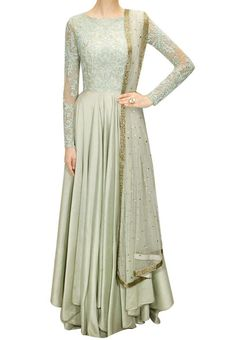Floor length ethnic piece is perfect for steal the show...