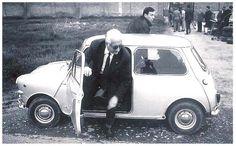 Enzo Ferrari, el fundador de la empresa de fabricación de automóviles Ferrari, era un gran fan de la Mini <3