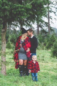 Canadian Christmas tree farm family photos by Studio 1079 | 100 layer Cakelet