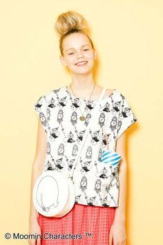 大きなポケットがポイント。実用性はあるような、ないような。笑 Floral Tops, Syrup, Blouse, Women, Fashion, Moda, Top Flowers, Fashion Styles, Blouses