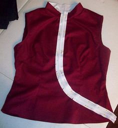 Haruko costume tutorial, I like the diagonally insert of the zipper!