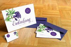 Sehr schöne Einladungskarte in Lila, perfekt für eine Sommer Hochzeit!