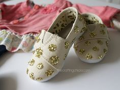 Diy glitter polka dot shoes-do this for missy?!